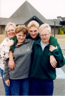 Doris, Jenna, Jason and Joe - Oregon Trip 1999